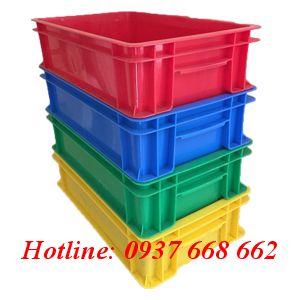 thùng nhựa đặc B2 xếp chồng. Kích thước: 455x270x120 mm.
