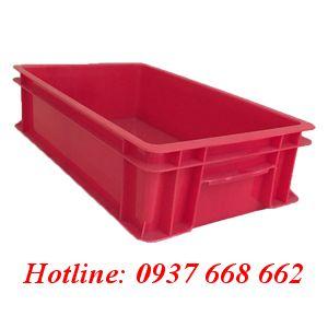 Thùng nhựa đặc B2 màu đỏ. Kích thước: 455x270x120 mm.