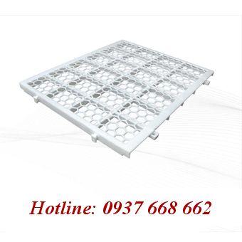 Tấm nhựa lót sàn vit. Kích thước: 50x60x3 mm