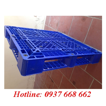 Bán Pallet nhựa Pl09lk giá rẻ. kích thước: 1100x1100x150 mm