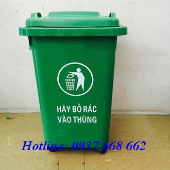 Thùng rác nhựa 60l có bánh xe. Kích thước: 420x480x635 cm