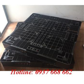 Pallet nhựa Pl126lk màu đen.