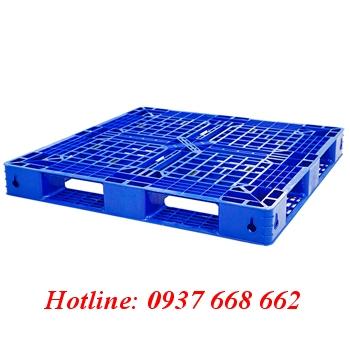 Pallet nhựa PL481. Kích thước: 1100x1100x125 mm