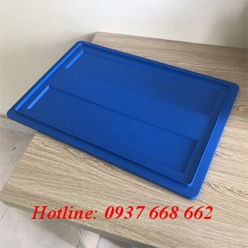 Nắp thùng nhựa B4. Kích thước: 510x340x170 mm.