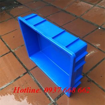 cạnh dài thùng nhựa đặc B9