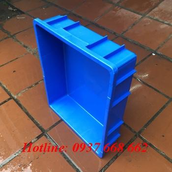 Cạnh ngắn thùng nhựa B9