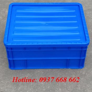 Thùng nhựa đặc b8 kèm nắp màu xanh