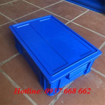hộp nhựa b4 kèm nắp. màu xanh dương
