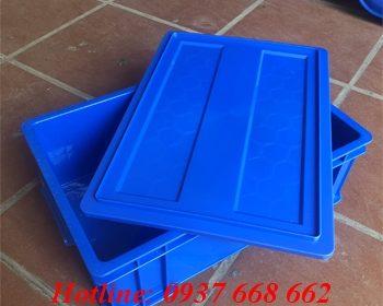 thùng nhựa đặc b4 kèm nắp, kích thước: 510x340x170 mm, màu xanh dương