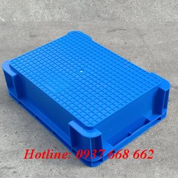thùng nhựa b12 mặt đáy